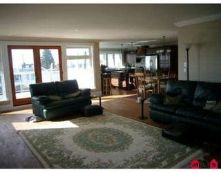 Photo 4: 15542 SEMIAHMOO AV in White Rock: House for sale : MLS®# F2706281