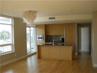 "Photo 3: 704 15152 RUSSELL Avenue: White Rock Condo for sale in ""MIRAMAR"" (South Surrey White Rock)  : MLS®# F1408986"