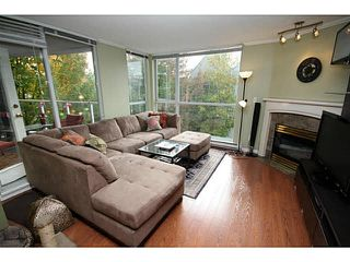 "Photo 3: 205 8420 JELLICOE Street in Vancouver: Fraserview VE Condo for sale in ""BOARDWALK"" (Vancouver East)  : MLS®# V1090998"