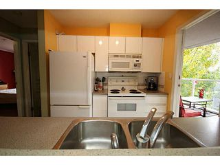 "Photo 10: 205 8420 JELLICOE Street in Vancouver: Fraserview VE Condo for sale in ""BOARDWALK"" (Vancouver East)  : MLS®# V1090998"