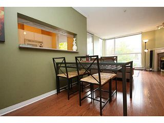 "Photo 7: 205 8420 JELLICOE Street in Vancouver: Fraserview VE Condo for sale in ""BOARDWALK"" (Vancouver East)  : MLS®# V1090998"