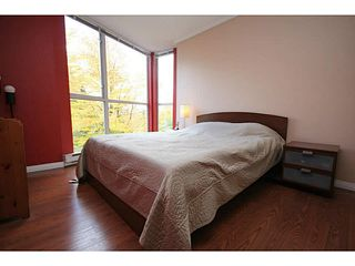 "Photo 15: 205 8420 JELLICOE Street in Vancouver: Fraserview VE Condo for sale in ""BOARDWALK"" (Vancouver East)  : MLS®# V1090998"