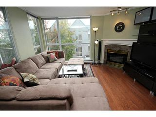 "Photo 4: 205 8420 JELLICOE Street in Vancouver: Fraserview VE Condo for sale in ""BOARDWALK"" (Vancouver East)  : MLS®# V1090998"