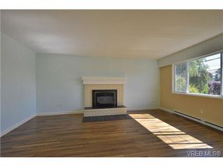 Photo 2: 10190 Third St in SIDNEY: Si Sidney North-East Single Family Detached for sale (Sidney)  : MLS®# 686212