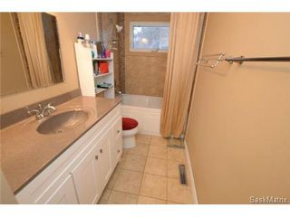 Photo 20: 8 FALCON Bay in Regina: Whitmore Park Single Family Dwelling for sale (Regina Area 05)  : MLS®# 524382
