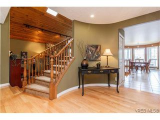 Photo 3: 948 Page Ave in VICTORIA: La Glen Lake House for sale (Langford)  : MLS®# 696682