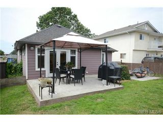 Photo 16: 554 Sumas St in VICTORIA: Vi Burnside Single Family Detached for sale (Victoria)  : MLS®# 703176