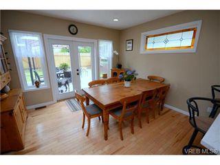 Photo 19: 554 Sumas St in VICTORIA: Vi Burnside Single Family Detached for sale (Victoria)  : MLS®# 703176