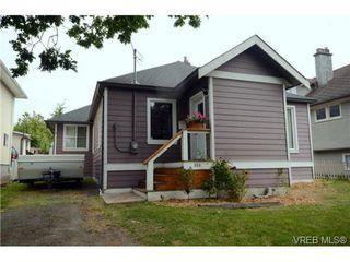 Photo 2: 554 Sumas St in VICTORIA: Vi Burnside Single Family Detached for sale (Victoria)  : MLS®# 703176