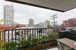 "Photo 9: 205 131 W 4TH Street in North Vancouver: Lower Lonsdale Condo for sale in ""Nottingham Place"" : MLS®# R2003888"