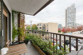 "Photo 10: 205 131 W 4TH Street in North Vancouver: Lower Lonsdale Condo for sale in ""Nottingham Place"" : MLS®# R2003888"