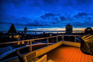 Photo 1: 2316 MARINE Drive in West Vancouver: Dundarave House 1/2 Duplex for sale : MLS®# R2032480
