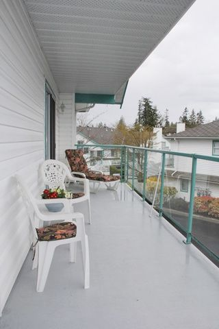 """Photo 10: 807 21937 48 Avenue in Langley: Murrayville Townhouse for sale in """"Orangewood"""" : MLS®# R2048713"""