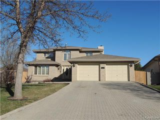 Photo 1: 23 Oakstone Place in Winnipeg: Maples / Tyndall Park Residential for sale (North West Winnipeg)  : MLS®# 1610741