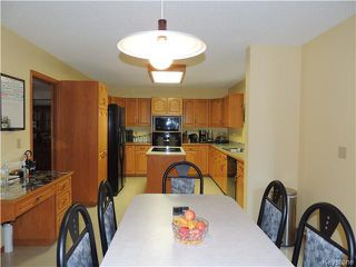 Photo 8: 23 Oakstone Place in Winnipeg: Maples / Tyndall Park Residential for sale (North West Winnipeg)  : MLS®# 1610741
