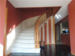 Photo 3: 23 Oakstone Place in Winnipeg: Maples / Tyndall Park Residential for sale (North West Winnipeg)  : MLS®# 1610741
