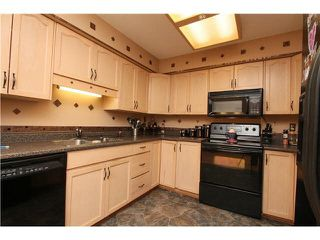 Photo 4: 68 19160 119TH Avenue in Pitt Meadows: Central Meadows Townhouse for sale : MLS®# R2100713