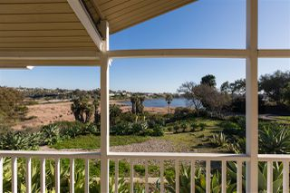 Photo 6: OCEANSIDE House for sale : 3 bedrooms : 2020 Stewart Street
