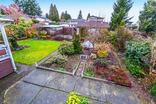 "Photo 10: 3737 CLINTON Street in Burnaby: Suncrest House for sale in ""Suncrest"" (Burnaby South)  : MLS®# R2145897"