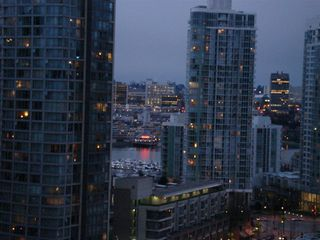 Photo 1: 1706 909 MAINLAND Street in Yaletown Park 2: Home for sale : MLS®# V697437