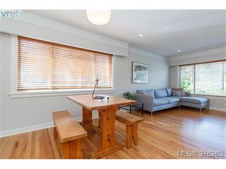 Photo 7: 465 Arnold Avenue in VICTORIA: Vi Fairfield West Single Family Detached for sale (Victoria)  : MLS®# 376263