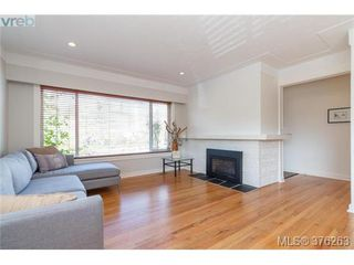 Photo 5: 465 Arnold Ave in VICTORIA: Vi Fairfield West Single Family Detached for sale (Victoria)  : MLS®# 755289