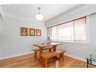 Photo 6: 465 Arnold Avenue in VICTORIA: Vi Fairfield West Single Family Detached for sale (Victoria)  : MLS®# 376263