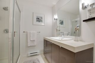 "Photo 15: 13 102 FRASER Street in Port Moody: Port Moody Centre Townhouse for sale in ""CORBEAU BY  MOSAIC"" : MLS®# R2155114"