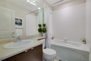 "Photo 18: 13 102 FRASER Street in Port Moody: Port Moody Centre Townhouse for sale in ""CORBEAU BY  MOSAIC"" : MLS®# R2155114"