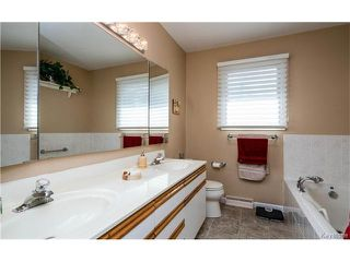 Photo 10: 8 Triton Bay in Winnipeg: Residential for sale (2C)  : MLS®# 1710193
