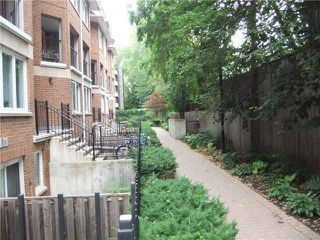 Photo 3: 29 217 St George Street in Toronto: Annex Condo for lease (Toronto C02)  : MLS®# C3847600