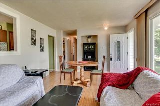 Photo 2: 870 Community Row in Winnipeg: Charleswood Residential for sale (1G)  : MLS®# 1716731