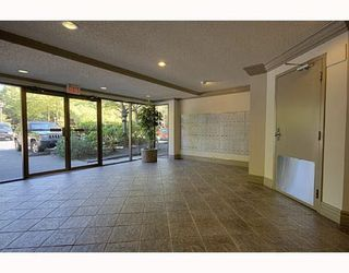 """Photo 4: 311 7295 MOFFATT Road in Richmond: Brighouse South Condo for sale in """"DORCHESTER CIRCLE"""" : MLS®# R2186422"""