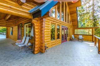 Main Photo: 6873 SEAVIEW Road in Sechelt: Sechelt District House for sale (Sunshine Coast)  : MLS®# R2207111