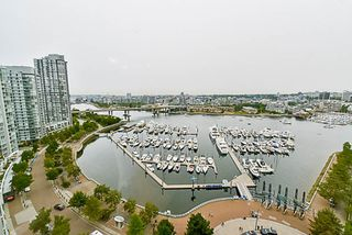 Photo 20: 2001 1199 MARINASIDE CRESCENT in Vancouver: Yaletown Condo for sale (Vancouver West)  : MLS®# R2202807