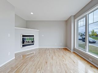 Photo 3: 43 EVERSYDE Heath SW in Calgary: Evergreen House for sale : MLS®# C4139021
