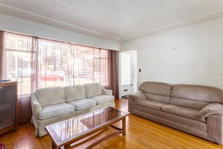 """Photo 4: 2130 E 4TH Avenue in Vancouver: Grandview VE House for sale in """"COMMERCIAL DRIVE"""" (Vancouver East)  : MLS®# R2213077"""