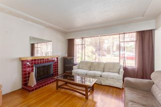 """Photo 3: 2130 E 4TH Avenue in Vancouver: Grandview VE House for sale in """"COMMERCIAL DRIVE"""" (Vancouver East)  : MLS®# R2213077"""