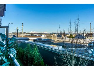"Photo 19: 209 20078 FRASER Highway in Langley: Langley City Condo for sale in ""VARSITY"" : MLS®# R2226351"