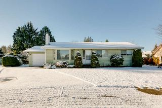 Photo 1: 21946 CLIFF Place in Maple Ridge: West Central House for sale : MLS®# R2229977