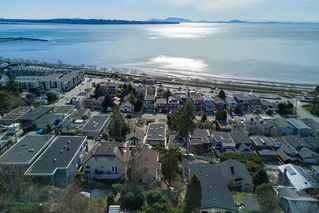 """Photo 9: 14763 MCDONALD Avenue: White Rock House for sale in """"west side hill side"""" (South Surrey White Rock)  : MLS®# R2240106"""