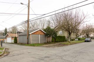 Photo 18: 2203 E 2ND AVENUE in Vancouver: Grandview VE House for sale (Vancouver East)  : MLS®# R2240985