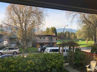 Photo 4: 2090 E 23RD Avenue in Vancouver: Victoria VE House for sale (Vancouver East)  : MLS®# R2252001