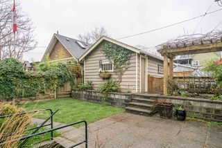 Photo 18: 2090 E 23RD Avenue in Vancouver: Victoria VE House for sale (Vancouver East)  : MLS®# R2252001
