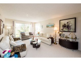 """Photo 3: 62 9000 ASH GROVE Crescent in Burnaby: Forest Hills BN Townhouse for sale in """"ASHBROOK PLACE"""" (Burnaby North)  : MLS®# R2252412"""