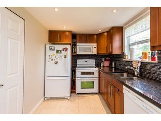 """Photo 11: 62 9000 ASH GROVE Crescent in Burnaby: Forest Hills BN Townhouse for sale in """"ASHBROOK PLACE"""" (Burnaby North)  : MLS®# R2252412"""