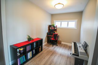 Photo 5: Newer Bridgewood Estates Family Home For Sale In Winnipeg