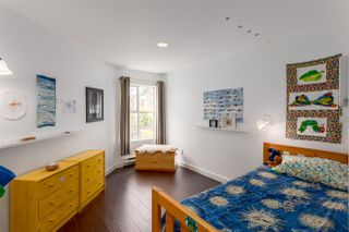 """Photo 17: 1485 KITCHENER Street in Vancouver: Grandview VE Townhouse for sale in """"COMMERCIAL DRIVE"""" (Vancouver East)  : MLS®# R2254867"""