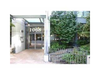 """Photo 1: 1001 1068 HORNBY Street in Vancouver: Downtown VW Condo for sale in """"THE CANADIAN AT WALL CENTRE"""" (Vancouver West)  : MLS®# R2256350"""