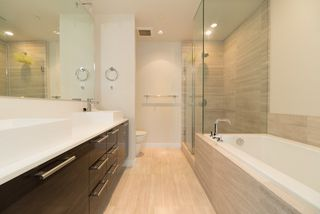 """Photo 8: 902 5171 BRIGHOUSE Way in Richmond: Brighouse Condo for sale in """"RIVER GREEN"""" : MLS®# R2271745"""